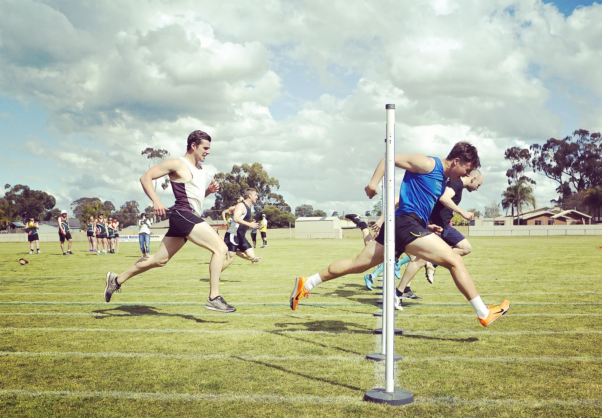 How to do Sports Photography Sprint Race Finish